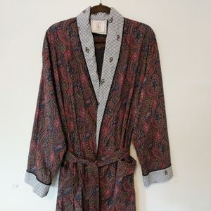 VS Number 1 London Robe